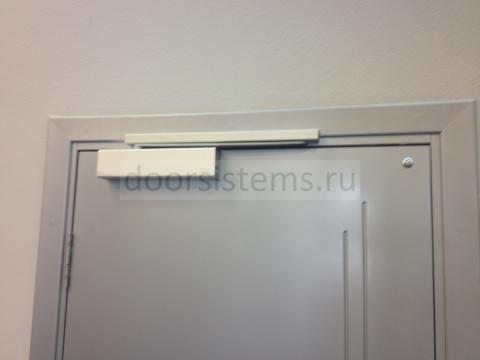 Доводчики DORMA (dormakaba) TS-92 в офисе Ростелеком