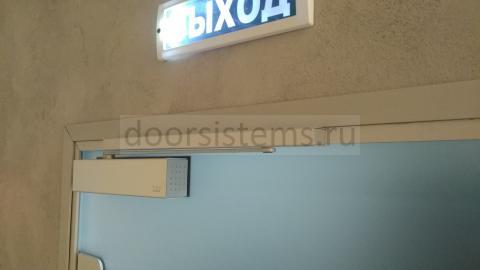 Доводчик DORMA (dormakaba) TS-92 в стоматологии Амин Дент